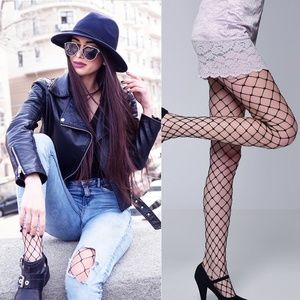 Accessories - NWT Black Wide Net Fishnet Tights Stockings